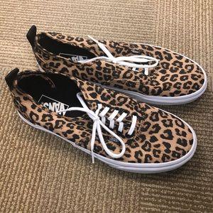 Women's Vans Authentic Leopard Sneakers 10 New